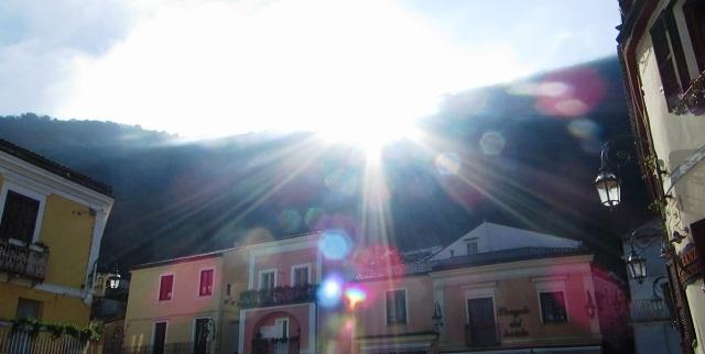 Sole nel Centro storico di Maratea